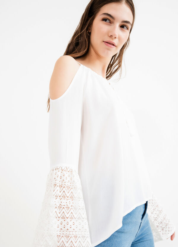100% viscose blouse with lace and tassels | OVS