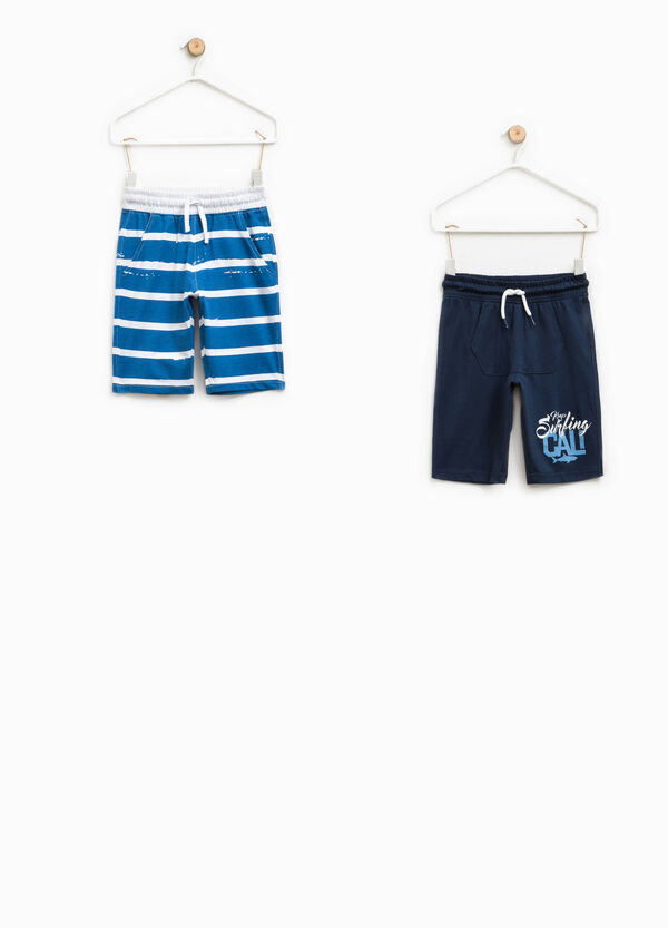 Two-pack solid colour and striped Bermuda shorts | OVS