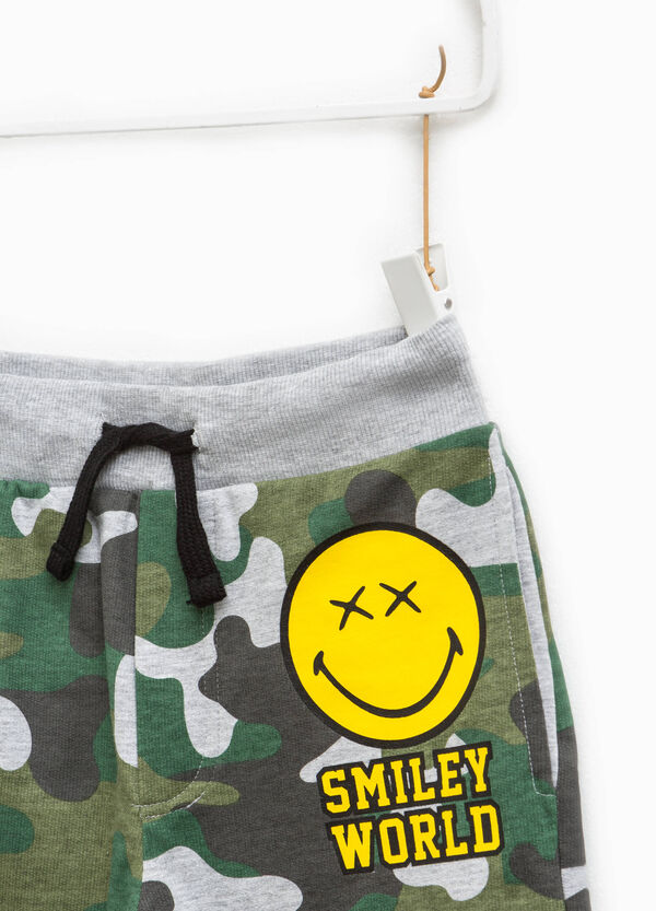 Camouflage Bermuda shorts with Smiley print | OVS