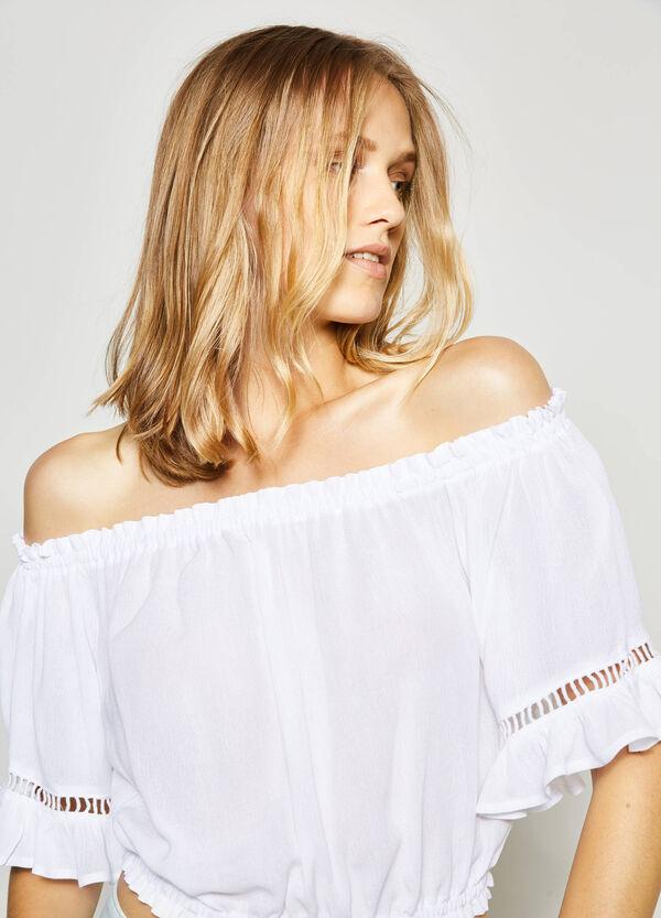 Blusa crop con scollo a barchetta | OVS