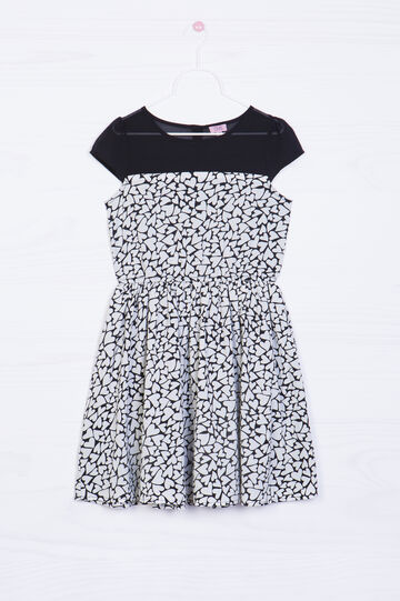 Short-sleeved dress with heart print.