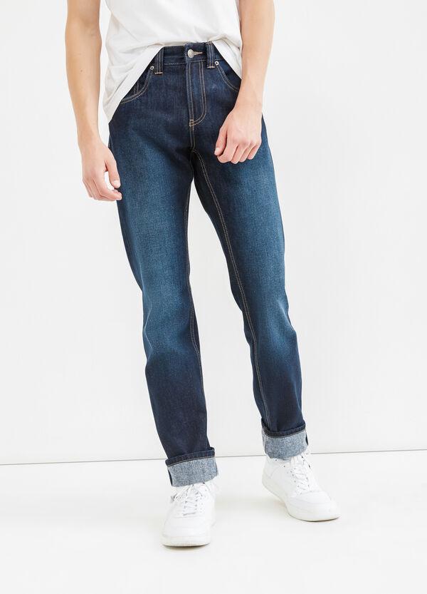 Jeans straight fit delavati con risvolto | OVS