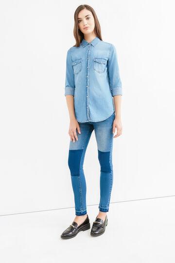 Camicia di jeans tinta unita con taschini, Blu, hi-res