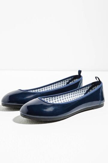 Shiny rounded toe ballerina flats