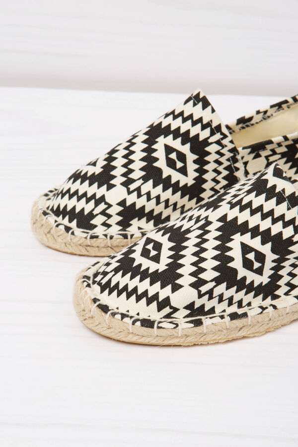 Espadrilles with ethnic pattern | OVS