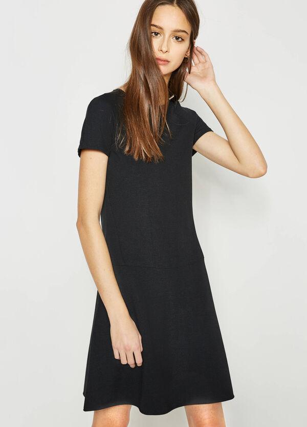 Vestido en viscosa elástica con cremallera detrás | OVS