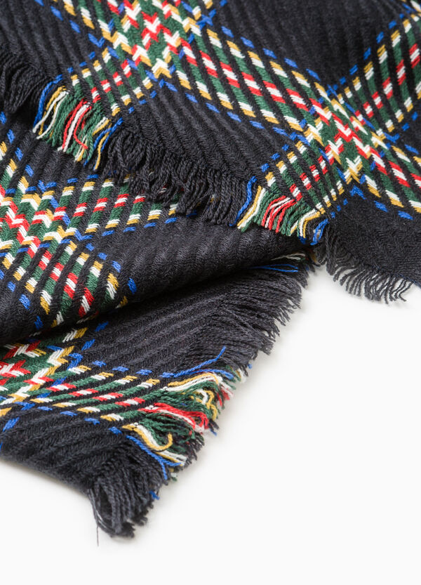 Check scarf with fringed ends. | OVS