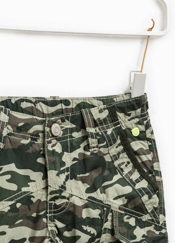 Camouflage Bermuda shorts with pockets | OVS
