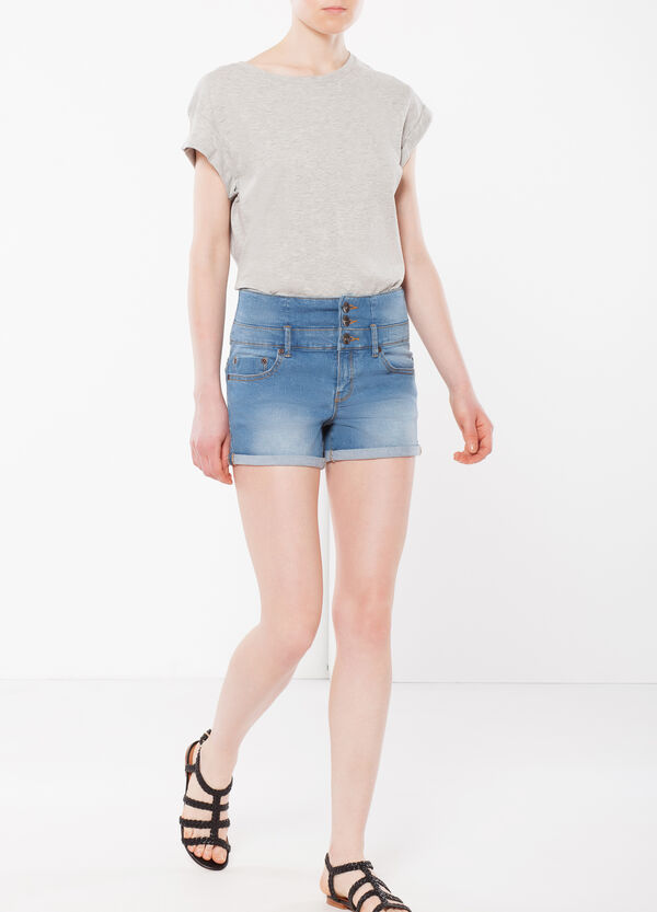 Three-button denim shorts | OVS