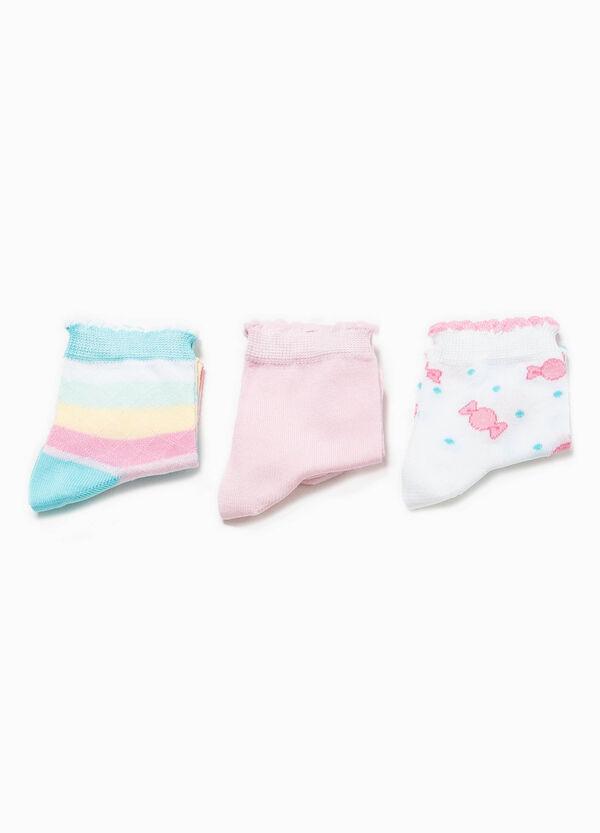 Pack de tres pares de calcetines cortos con fantasía | OVS