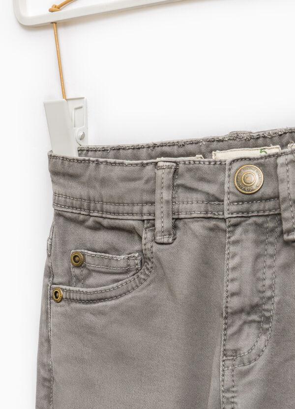 Pantaloni chino slim fit tinta unita | OVS