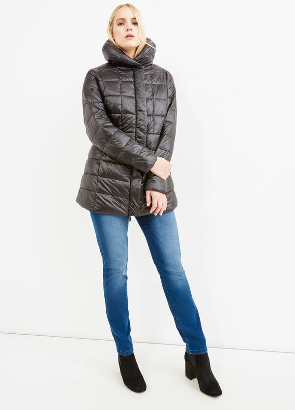 Curvy down jacket with solid colour high neck | OVS