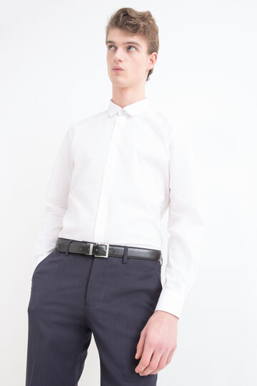 Plain cotton mix shirt.