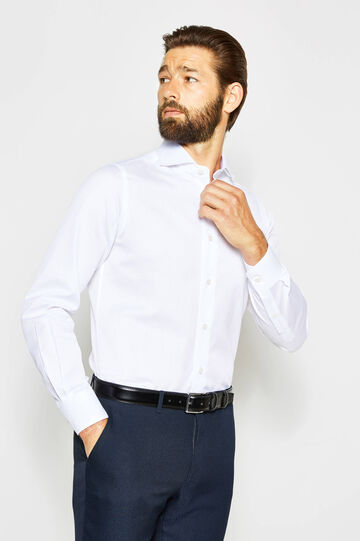 Slim-fit formal shirt with adjustable cuffs