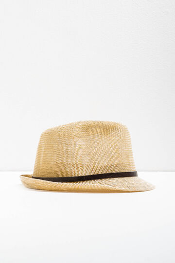 Wide-brimmed hat with band