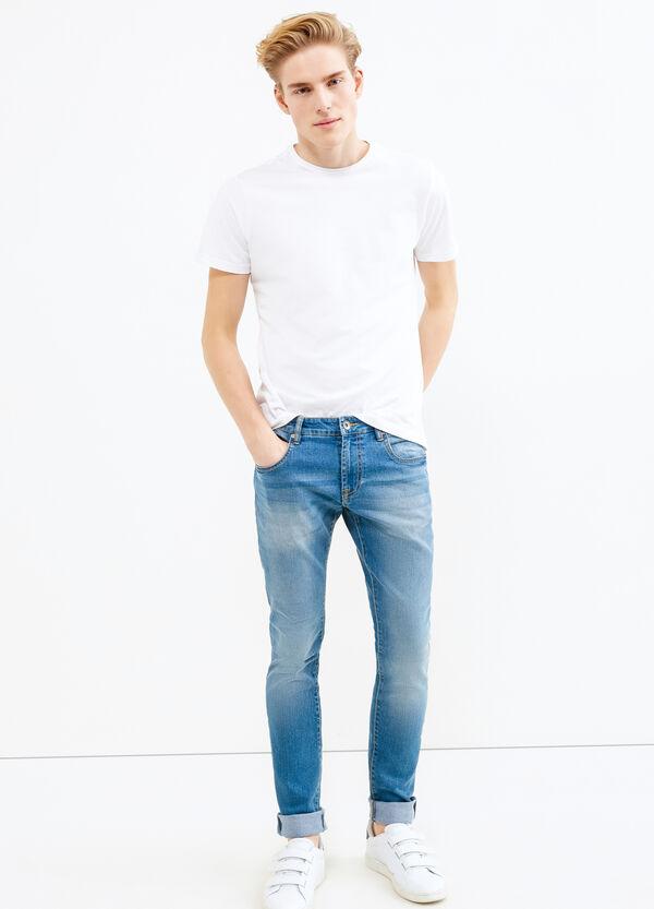 Jeans stretch effetto used con baffature | OVS