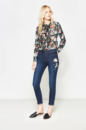 Stretch crop jeans with floral embroidery