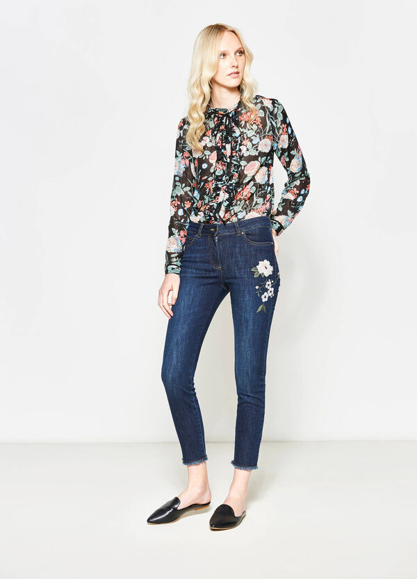 Stretch crop jeans with floral embroidery | OVS