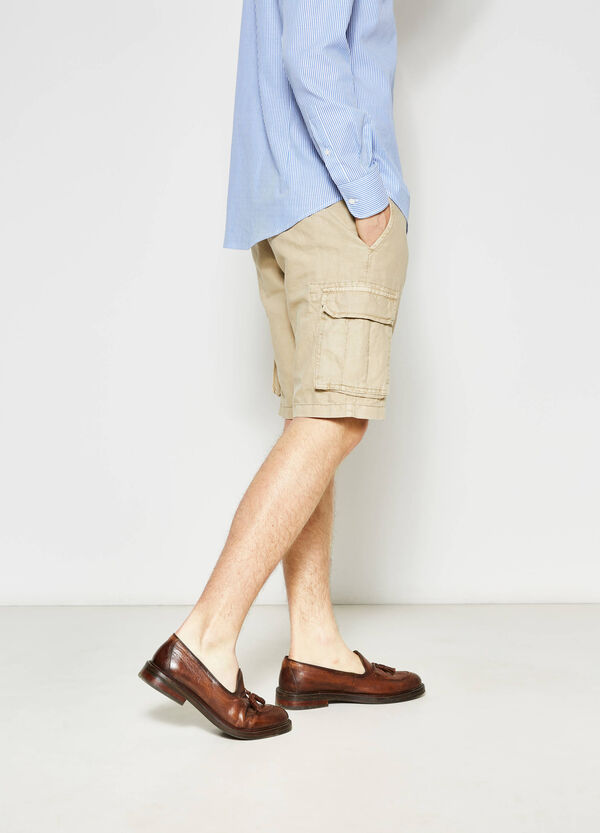 Regular-fit, stretch cargo chino Bermuda shorts | OVS