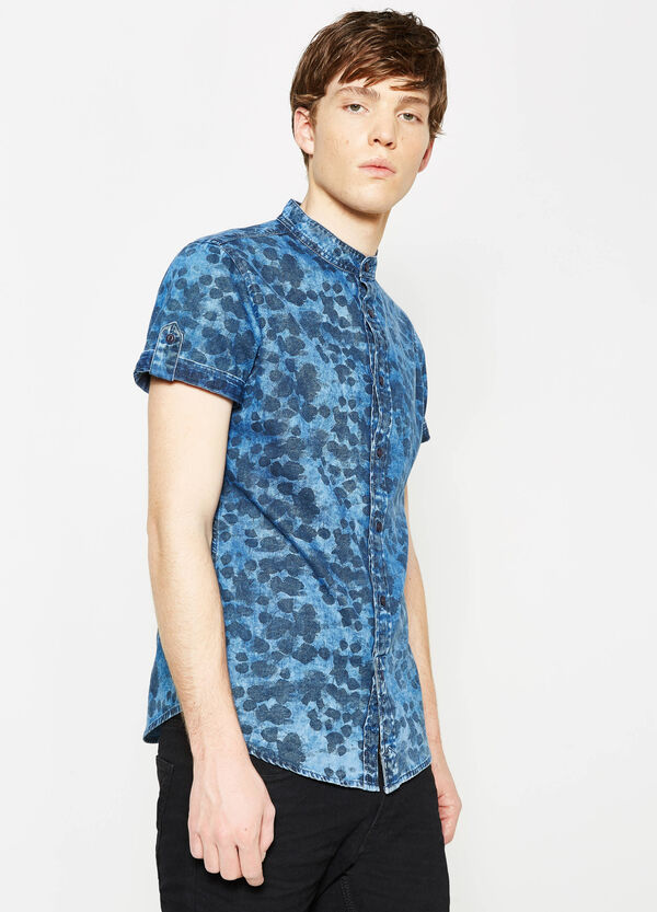 Slim-fit casual patterned denim shirt | OVS