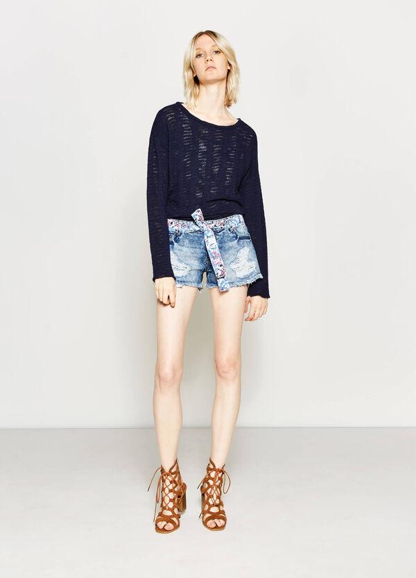 Denim shorts with patterned belt | OVS