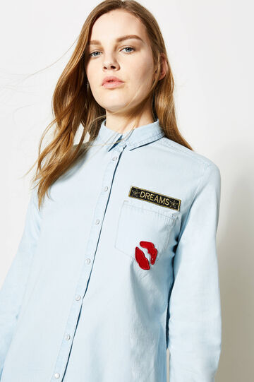 Shirt with rounded hem and pocket