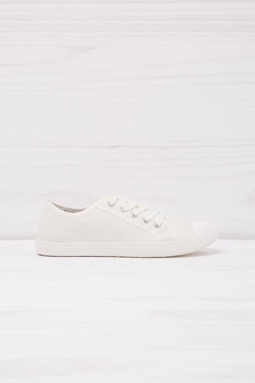 Solid colour low-rise sneakers.