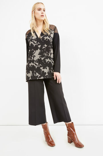 Curvy blouse in viscose blend with flower print, Black, hi-res