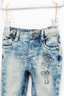 Mis-dyed-effect jeans with patches, Blue, hi-res