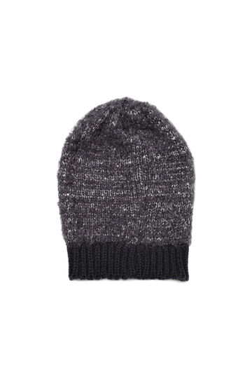 Sequinned beanie cap, Black, hi-res
