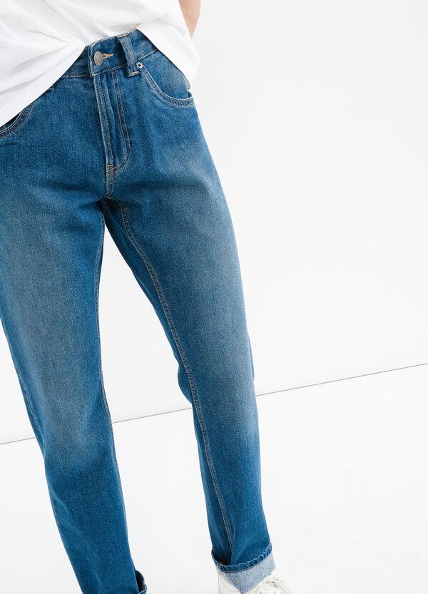Jeans straight fit con risvolto delavati | OVS