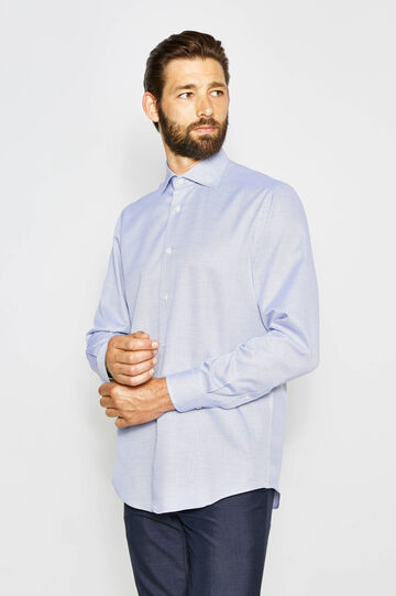 Formal shirt with cutaway collar
