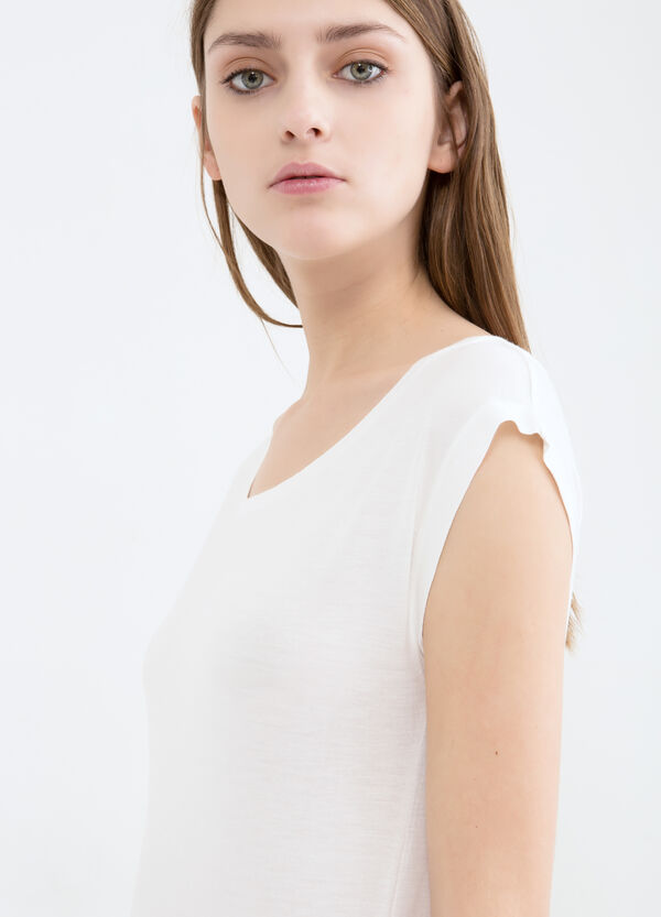 Plain 100% viscose T-shirt | OVS