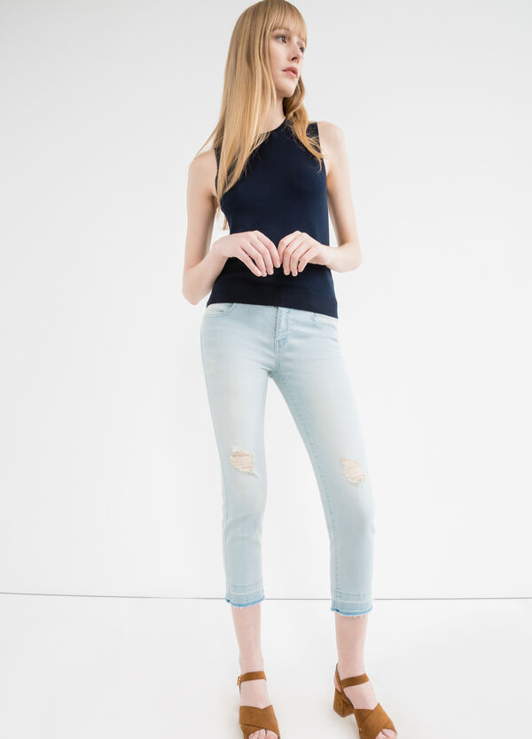 Cropped stretch jeans with rips | OVS