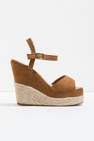 Suede sandals with wedge