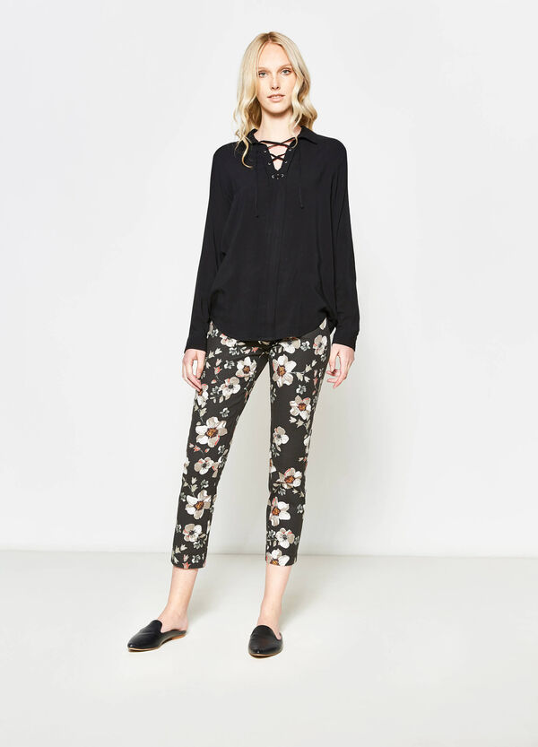 Crop trousers with floral piquet | OVS