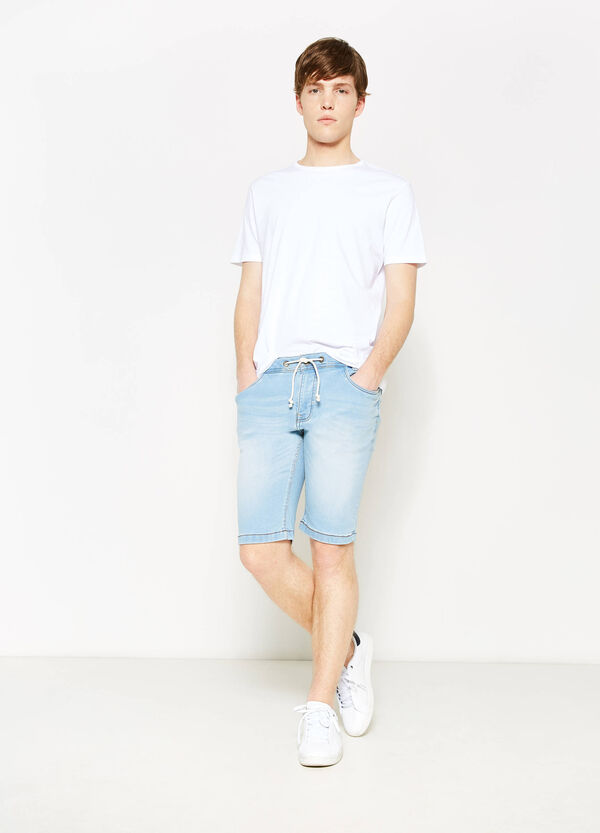 Slim-fit worn denim Bermuda shorts | OVS