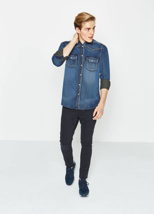 G&H solid colour casual denim shirt | OVS