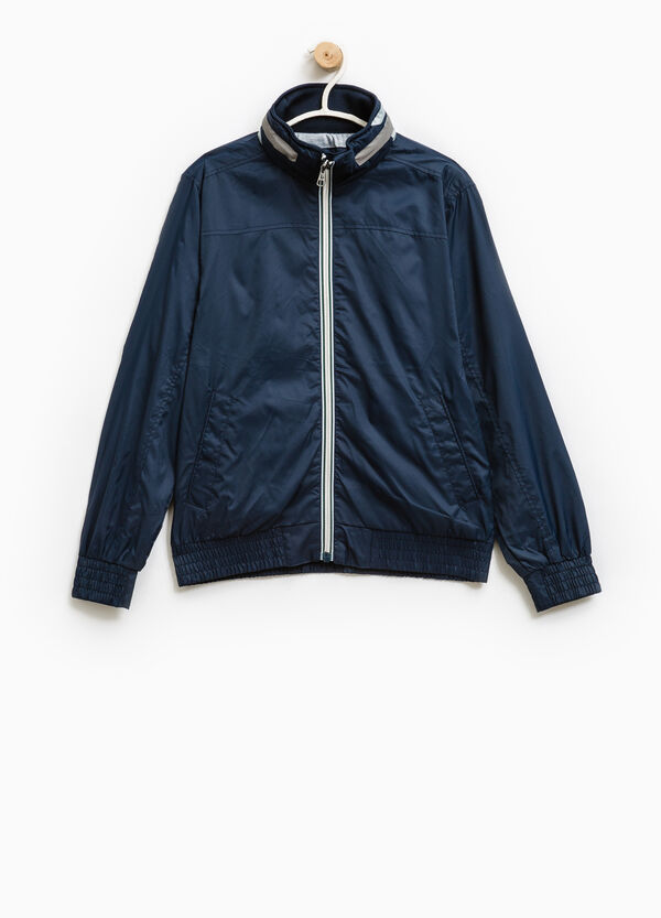 Windbreaker with pull-out hood. | OVS