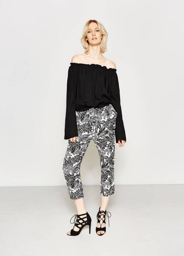 Pantalón tobillero con estampado floral | OVS