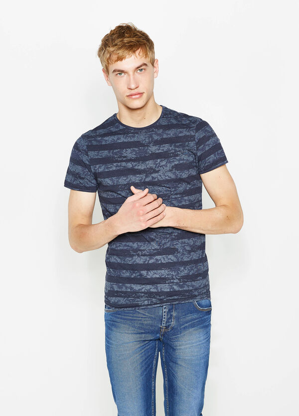 T-shirt fantasia a righe   OVS