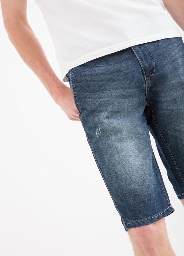 Slim-fit delavé effect denim Bermuda shorts | OVS