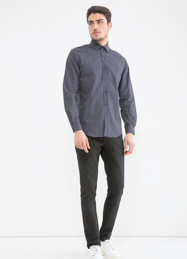 Camicia custom fit con fantasia | OVS