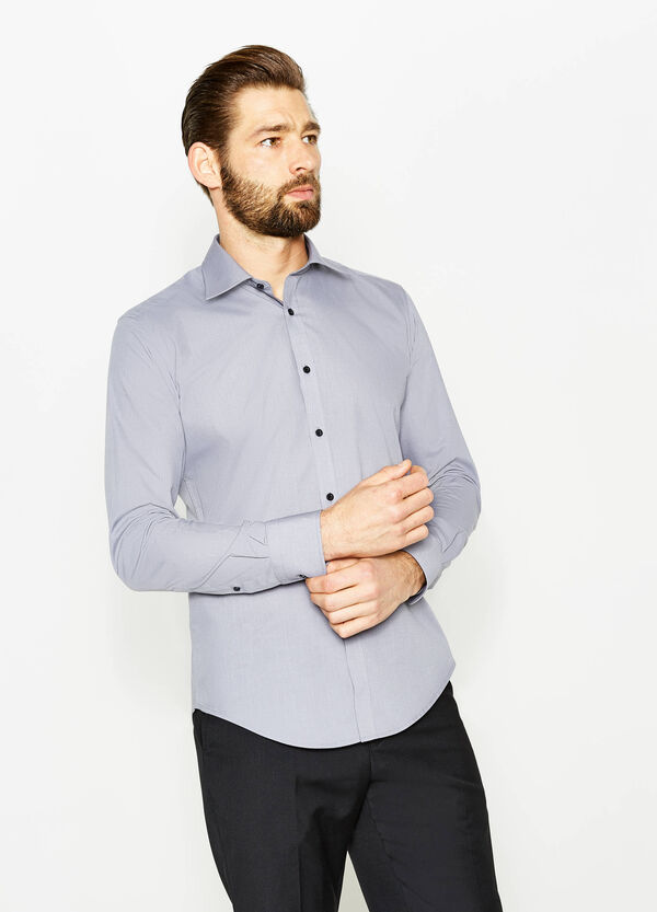 Slim-fit formal shirt with contrasting buttons | OVS