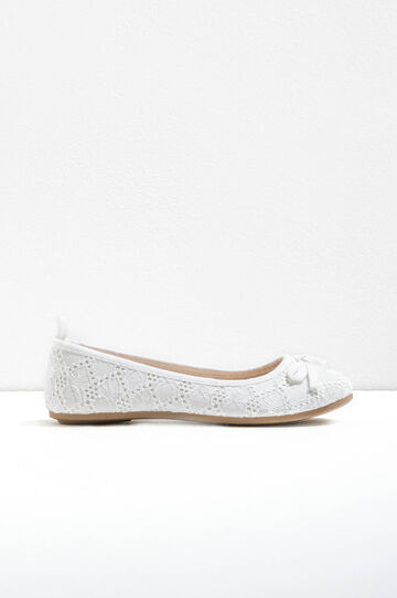 Lace ballerina flats with bow