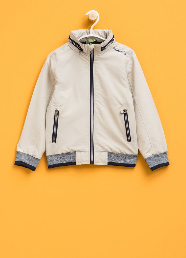 Jacket with pull-out hood | OVS