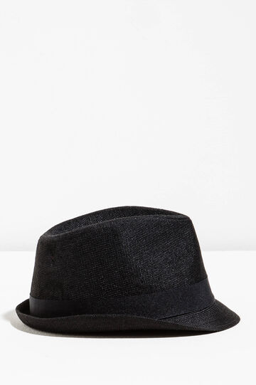 Wide-brimmed hat with turn-up