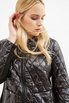 Curvy lightweight down jacket with diamond-shaped quilting, Black, hi-res