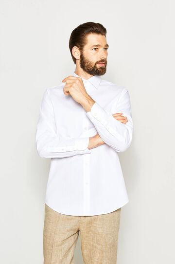 Regular-fit formal shirt with polka dot weave