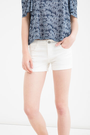 Solid colour stretch shorts with turn-ups, White, hi-res